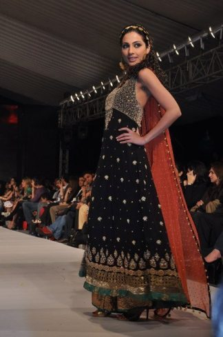 Pakistani Fashion – Latest Black Rust Anarkali Pishwas